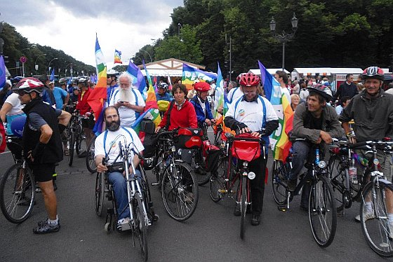 Bike for Peace and New Energies in Berlin auf dem Friedensfest »United Nations Festival«